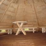 Pavėsinėje gali prisiglausti 20-25 lankytojų grupė /A shelter can accommodate 20-25 people