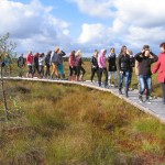 Talkos dalyviai mokomajame take/ Participants of voluntary action in Kamanos nature path